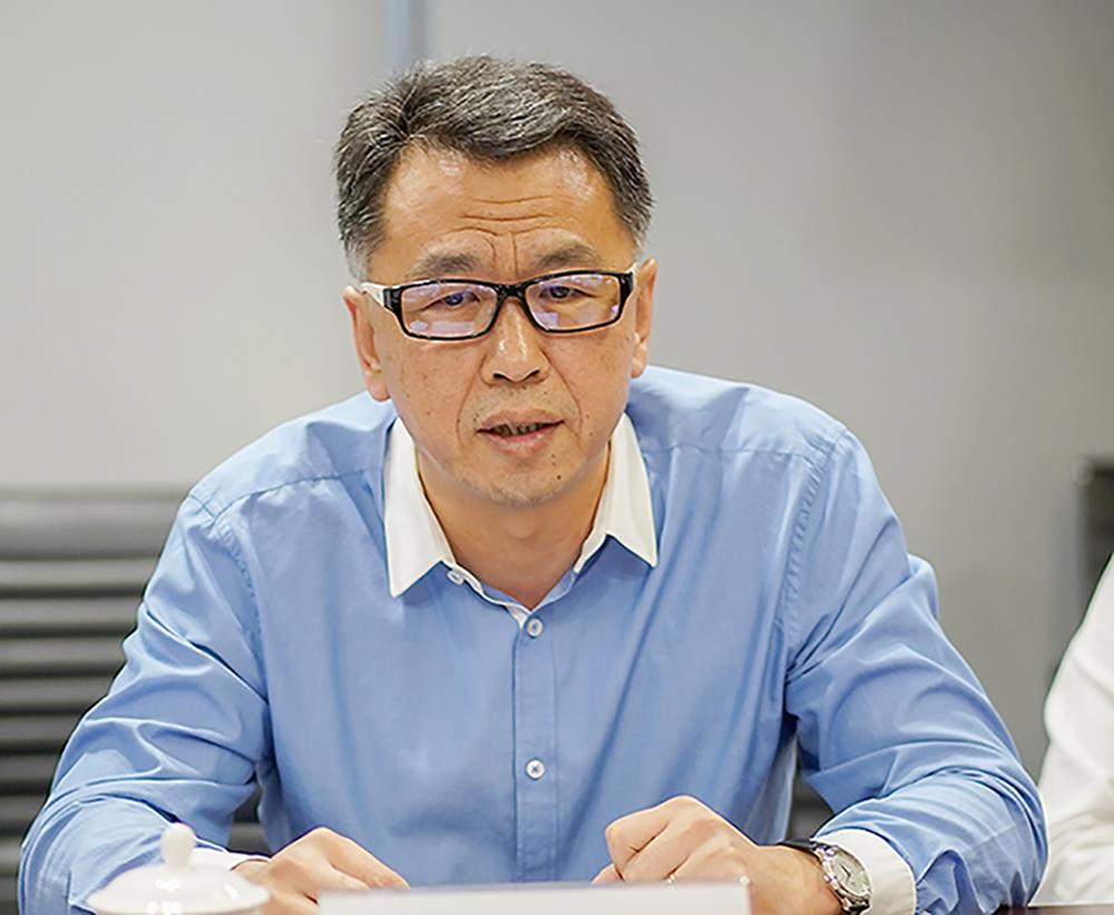 鸿坤地产与北方国建签约仪式上,北方国建置业总裁隋天震讲话